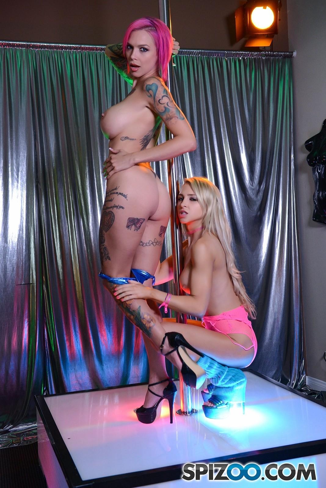 Fisting central tube porn