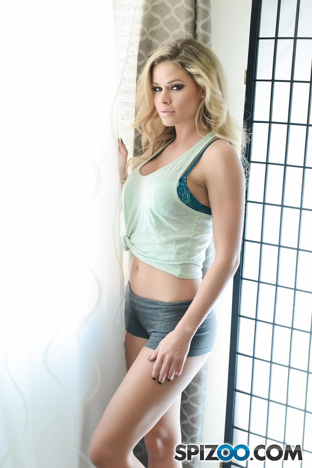 Sensationelle blonde Jessa Rhodes macht Liebe mit dem Fotografen
